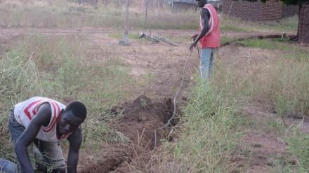 Tranchées pour enterrer les câbles