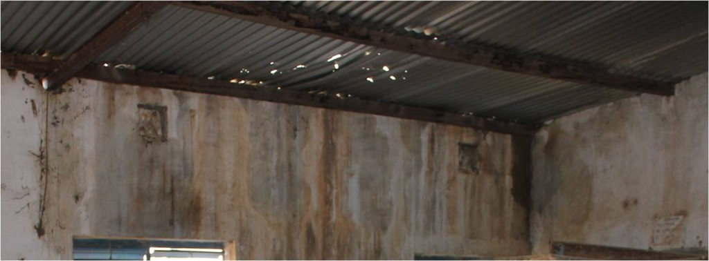 toit percé de l'école